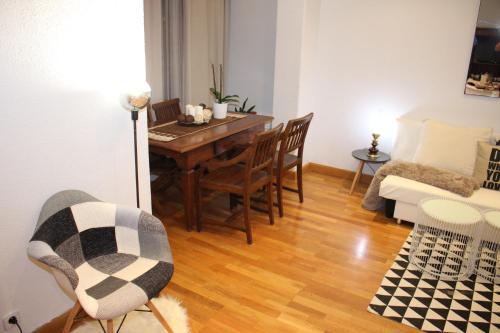 Charming Apartment Near Sagrada Familia photo 26