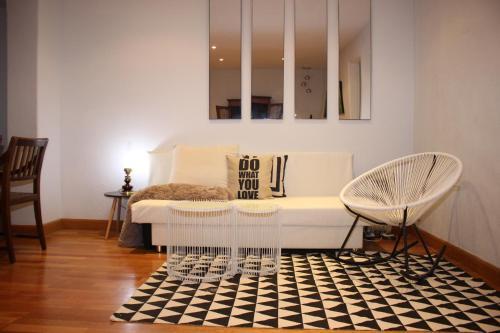 Charming Apartment Near Sagrada Familia photo 27