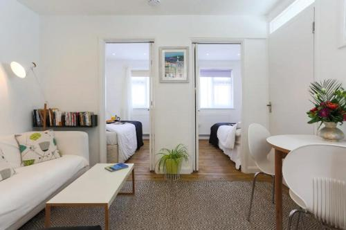 Arty Beachside Apartment, St Ives, Cornwall