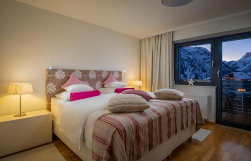 Фото отеля Hotel Bergkristall