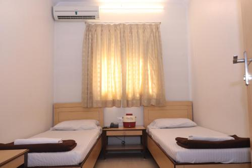 Double Room with Shared Bathroom AC