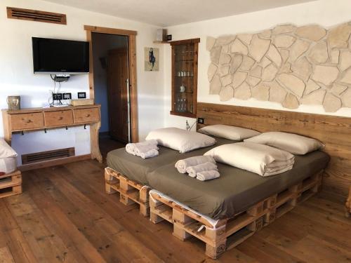 Appartamenti La Pratolina - Apartment - Castello di Fiemme