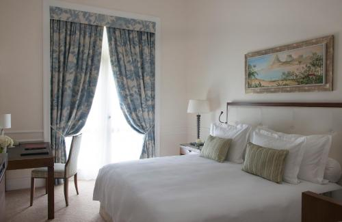 Superior Double or Twin Room with Partial Ocean View