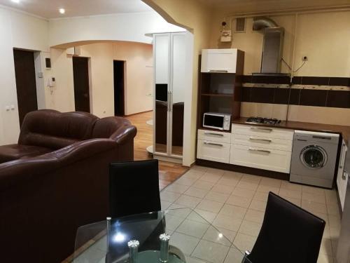 . Cozy Spacious Apartment