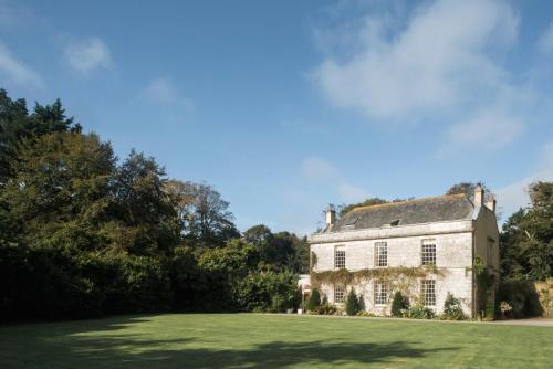 Garden Cottage At Trevella Manor, Truro, Cornwall