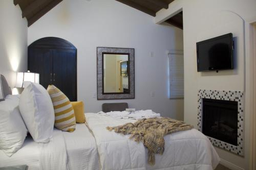 Andreas Hotel & Spa - Palm Springs, CA 92262