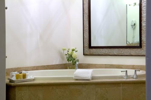 Andreas Hotel & Spa - Palm Springs, CA CA 92262
