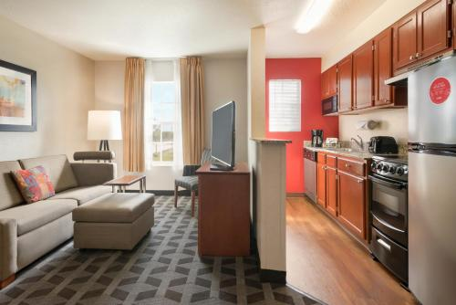 TownePlace Suites Fort Lauderdale West - image 8