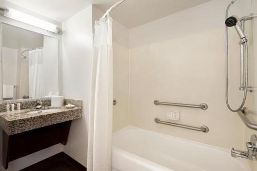 TownePlace Suites Fort Lauderdale West - image 5