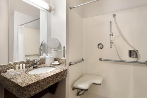 TownePlace Suites Fort Lauderdale West - image 4