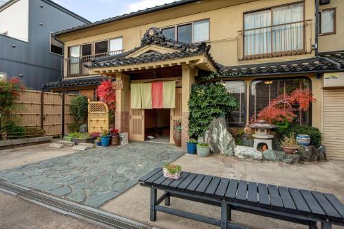 阿祖馬日式旅館