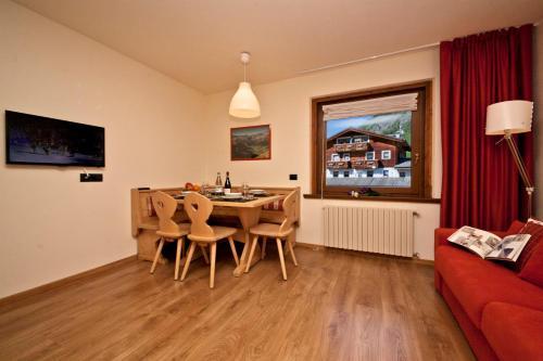 Livigno Apartment Sleeps 4 Livigno
