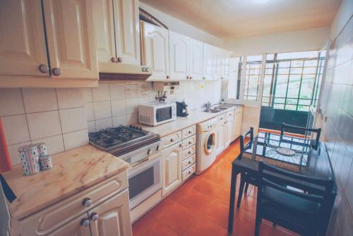 Apartamento Praia Doca do Cavacas - Funchal - book your