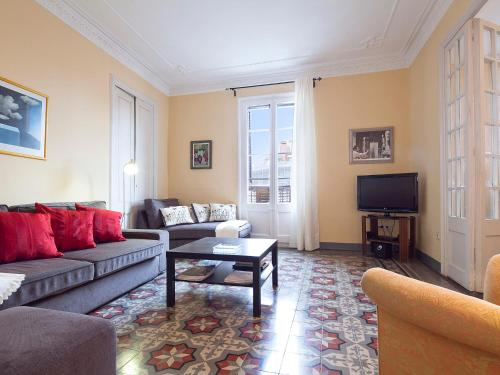 Urban District Apartments - St. Antoni Market (3BR) photo 5