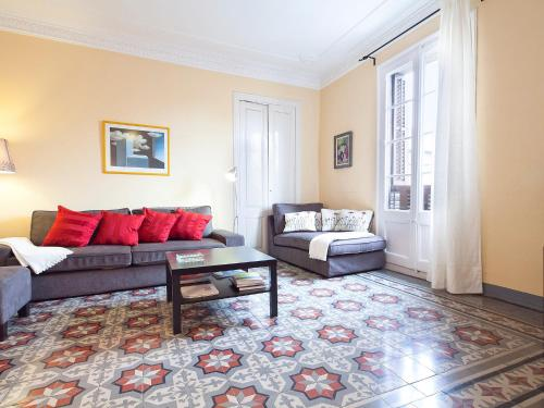 Urban District Apartments - St. Antoni Market (3BR) photo 8