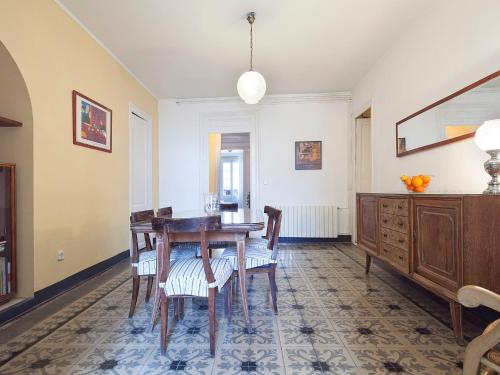 Urban District Apartments - St. Antoni Market (3BR) photo 9