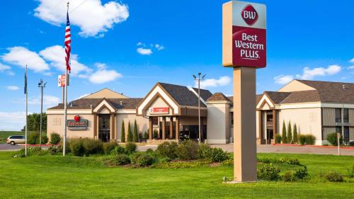 . Best Western Plus York Hotel and Conference Center
