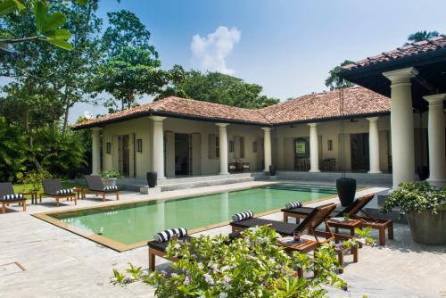 . Monara House, Talpe