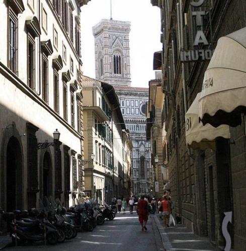 31, Via Ricasoli, Florence 50123, Italy.