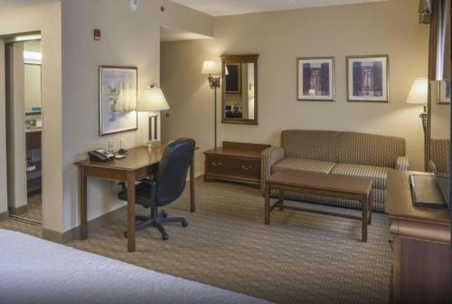 Hampton Inn & Suites Youngstown-Canfield in Canfield