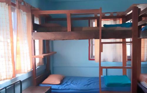 Single Bed 8-Bed Domitory Room with Air-Con