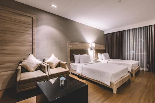 Adelphi Suites Bangkok photo 90