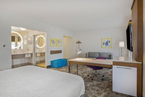 Hampton Inn & Suites Raleigh-Durham Airport-Brier Creek in Raleigh