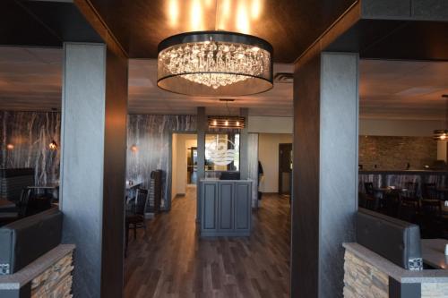 Lakeland Inn Hotel - Cold Lake, AB T9M 1P3