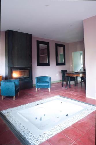 Habitación Doble Deluxe con bañera Hotel Boutique Pinar 11