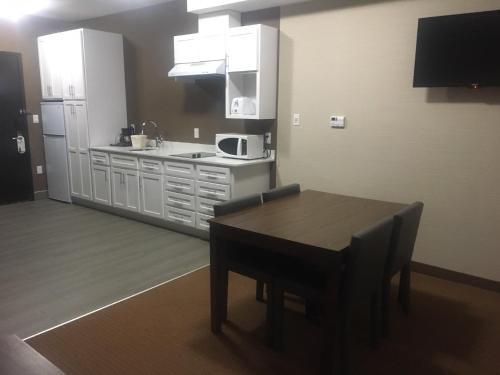 Southfort Inn - Fort Saskatchewan, AB AB T8L 0G7