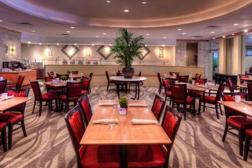 DoubleTree by Hilton Hotel Tampa Airport-Westshore - Tampa, FL FL 33607