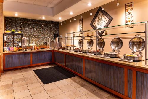 DoubleTree by Hilton Tampa Airport - Westshore - Tampa, FL 33607