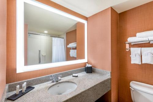 Embassy Suites St. Louis-St. Charles - Saint Charles, MO MO 63303