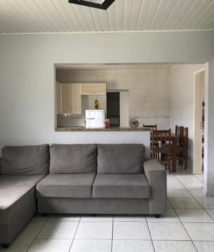 Apartamento confortável e familiar (Photo from Booking.com)