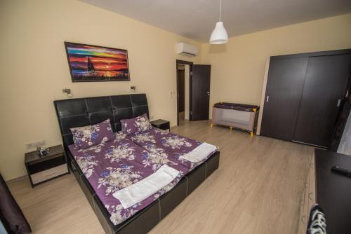 Vakarel Residence - Photo 6 of 52