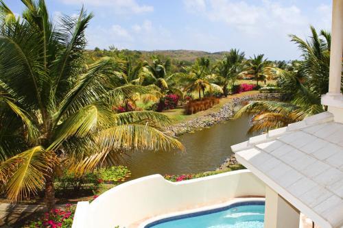 Cas En Bas Villa Sleeps 6 Pool Air Con Wifi