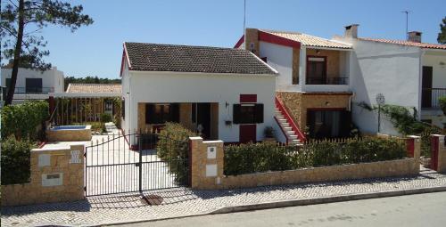 Casa da LAGOA (Sesimbra), Pension in Lagoa de Albufeira