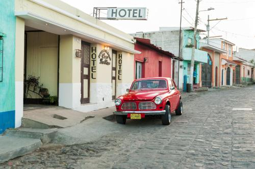 """. Hotel """"Casa las Flores"""""""