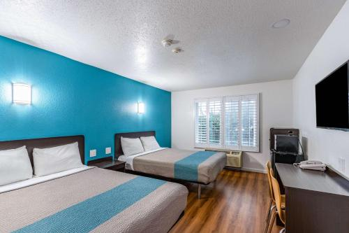 Motel 6-Fountain Valley CA - Huntington Beach Area