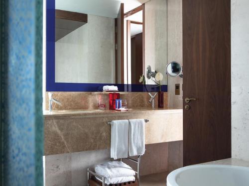 Jumeirah Creekside Hotel photo 15