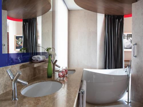 Jumeirah Creekside Hotel photo 17