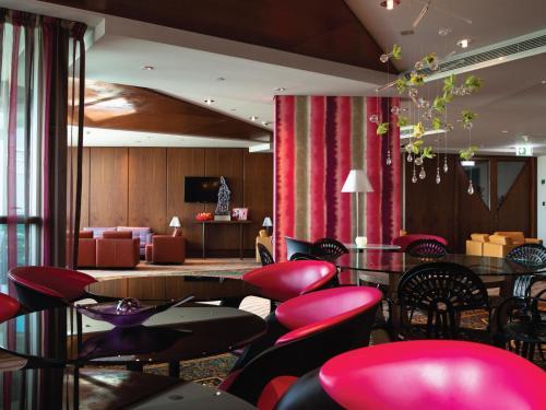 Jumeirah Creekside Hotel photo 41