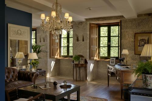 Suite with River View A Quinta Da Auga Hotel Spa Relais & Chateaux 4