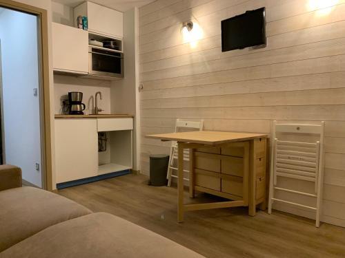 Studio des Cintes Blanques - Apartment - Aragnouet