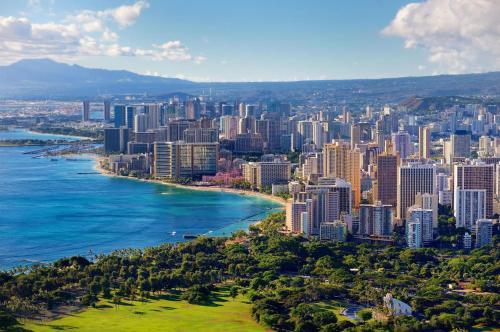 Waikiki Banyan Tower 1 Suite 2112 - Honolulu, HI 96815
