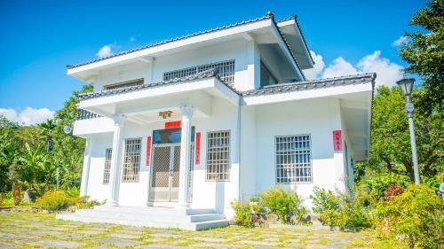 Pine Garden Family Villa