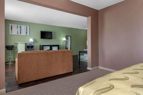 Quality Inn West Memphis - West Memphis, AR 72301