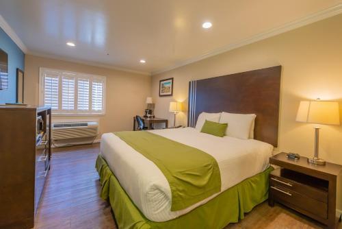 Ocean Pacific Lodge - Santa Cruz, CA CA 95060