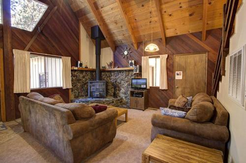 Alma Avenue Holiday Home - Lake Tahoe, CA 96150