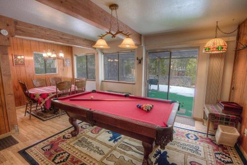 Jean Avenue Holiday Home - Lake Tahoe, CA 96150